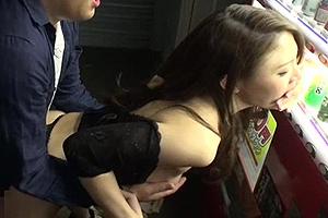 凛音とうか ココで男潮吹くの?露出狂のスリム巨乳ボディ美女と野外SEX