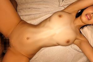 宝生リリー スレンダー巨乳妻が旦那に内緒でキメパコハメ撮り!