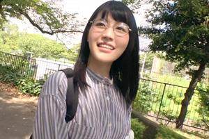 【募集ちゃん】メガネ顔なのに脱いだらノーブラエロ下着の漫画家との変態SEX動画