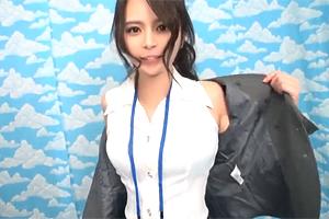 【素人】AV女優のドタキャンで混乱する現場を女子社員が救う!!
