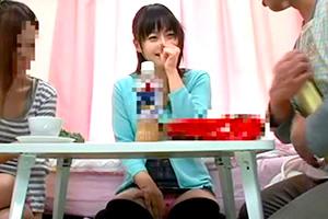 【媚薬】家に遊びに来た娘の友達(巨乳女子大生)に強力眠剤を飲ませて…