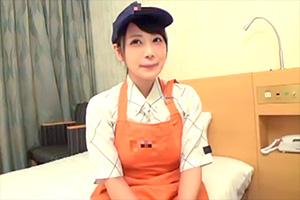 【素人】牛丼屋で働くFカップ美乳の看板娘を脱がす!