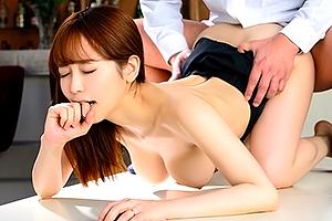 篠田ゆう反省してるならヤラセろ!土下座謝罪する人妻バーテンダーに生挿入