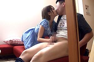 椎名そら チンポ大好きな美少女ビッチが童貞狩り!