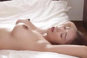 小早川怜子 巨乳人妻が寝取られ!(NTR)奥をズンズンされて感じてしまう