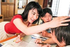 由愛可奈 粗チン大好きショタコン美女、甥っ子に身体を使ってガチ性教育