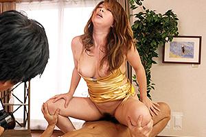 風間ゆみ 巨乳のカリスマ熟女が濃厚セックス!激しい騎乗位で乱れまくる!