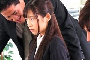 星奈あい 上司のセクハラに耐える童顔人妻OL、NTRで快感覚えてしまった淫乱痴女でした