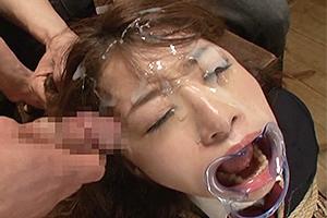 初美沙希 緊縛されて興奮するドMの変態JK!ちんぽをイラマチオさせられザーメンを大量顔射!