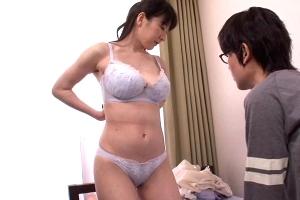 大橋ひとみ 篠宮ゆり近親相姦しながら息子に性教育する英才教育熟女ママ