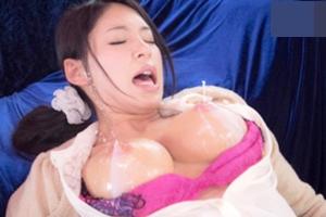 上馬麻里子 巨乳美女の噴き出る母乳に目が離せない!ミルクおっぱいは最高!