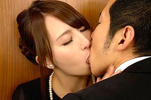 希崎ジェシカ 美しい未亡人が夫の葬儀で義弟に寝取られて快楽を覚える!