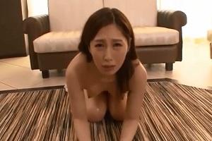 佐々木あき 美人のひれ伏す姿はエロすぎる!セックスのためなら何でもするドM女!
