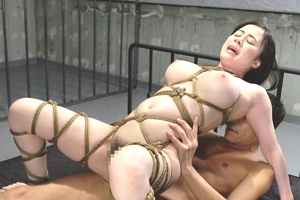 吉川あいみ 西田カリナ スタイル抜群の美巨乳捜査官にやりたい放題の拷問プレイがやらしすぎる!