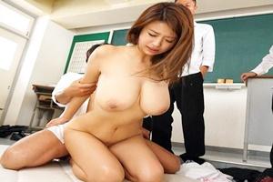 深田ナナ 巨乳女教師が男子生徒と教室でハメられまくる!