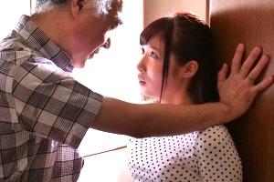 栄川乃亜 母の再婚相手に中出し近親相姦される清楚な娘、拒みつつも潮吹きしちゃう敏感まんこ