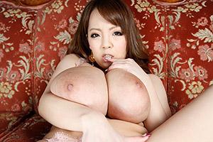 Hitomi 爆乳ムチムチ痴女が緊縛されたM男に馬乗り淫語騎乗位!