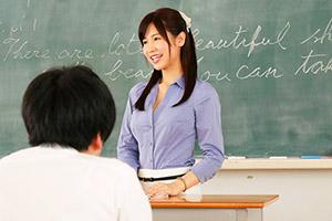 桜空もも Gカップ痴女教師が教え子を挑発、放課後の教室で筆下ろししちゃうエッチな先生