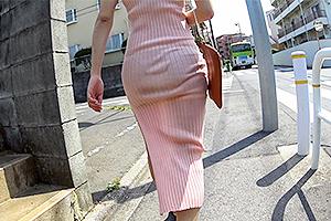 美作彩凪 みひな タイトなマキシワンピで下着のライン丸見えの美女!尾行して家に押し入りレイプ!