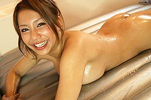 松本メイ 巨乳風俗嬢とマットプレイ!ローションまみれの身体が擦れる度に気持ち良すぎる!