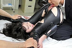 夢乃あいか レザースーツをボロボロにされて拷問される女捜査官!まんぐり返しで強制クンニ!