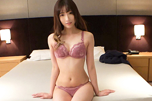 【シロウトTV】綺麗な長い脚の美人キャンギャルが腰砕けで絶頂!!