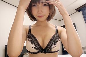 球場で出会ったビール売りの極上美少女がAV出演(23)