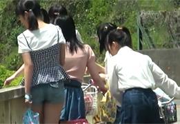 【流出】山奥の温泉旅館で幼い少女たちがオヤジ共に中出しされてる映像…