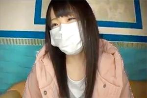 マスクを脱がされ興奮する娘