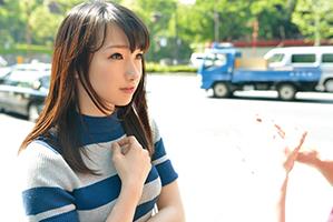 【素人】女子大生みたいな赤坂の若妻をインタビューと称してハメた夏の昼下がり。