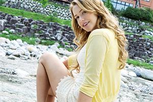 【ミア・楓・キャメロン】22歳のアメリカ美女、温泉旅行で極上Bodyを披露!!!!(動画あり)