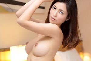 【シロウトTV】水嶋杏樹 27歳。Fカップの美人会計士が事務所の開業資金を集める為にAV出演