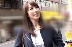 【台本ナシ・演技ナシ】アラフォー美魔女が地元で同級生を食べ歩き!