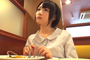 【素人】清楚に見えて「中出し」に興味津々のムッツリ女子大生をハメ撮り!