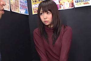 【宮崎あや】漫画喫茶で発情した美少女がまだ物足りない顔してたので…
