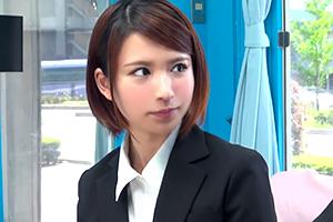 【マジックミラー号】矢口真里似の就活生が「尻コキ」で中年男性の勃起力改善!