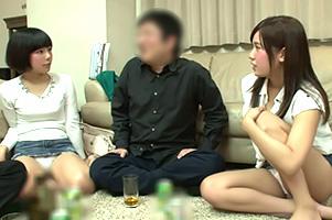 【一部始終】宅飲みで頬を赤らめガードが緩む巨乳女子大生2人組と4P!