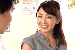 【大島優香】人妻女教師の誘惑授業「頑張ったらご褒美あげる♡」