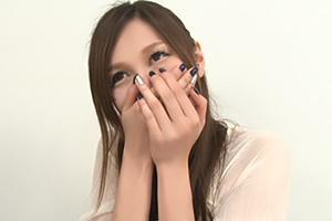 【センズリ鑑賞】ニヤニヤが止まらない欲求不満の美熟女が素直でカワイイ!