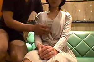 【個人撮影】脱いだらリアルな巨乳な人妻と緊張の中ハメ撮り
