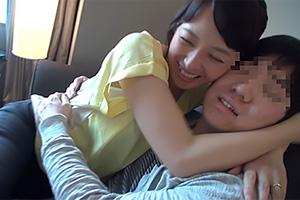 安野由美 「息子よりも若い…」50歳熟女の筆下ろし映像が生々しすぎる