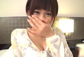 【素人】Hが大好きだと言うショートカットの現役女子大生に無許可中出し!