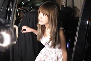 お持ち帰りされた超アイドル級美少女のリアルプレイを隠し撮り!
