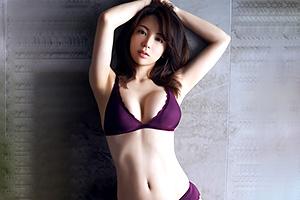 仲村美海 B86・W59・H 88、伝説の美少女ニコ生主がグラビア界に殴り込み!