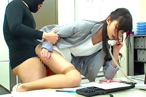 大槻ひびき 電話中、会議中、弁当休憩中も『常に性交』丸の内OL