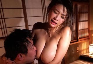 【深田ナナ】ムチムチ爆乳なお姉様が汗だくで濃厚セックス♪