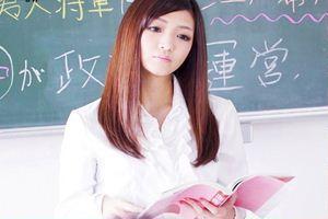 ★青山はな★が女先生に!生徒にフェラを迫られて・・→口中発射♪