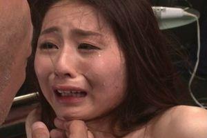 前田可奈子 を拘束し激しく調教w涙がチョチョ切れるぐらいのハード具合w