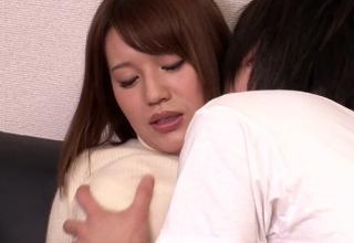 【本田莉子】喘ぎ声がうるさい隣の美人妻w謝罪しに来たので押し倒してやったww