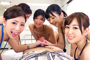神波多一花 大槻ひびき 篠田ゆう 美人ナースがハーレム手コキで性処理!